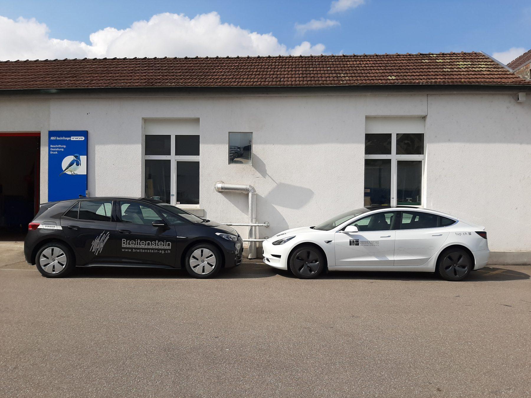 Elektrofahrzeug-Tag bei JOST Beschriftungen | JOST Beschriftungen Liestal
