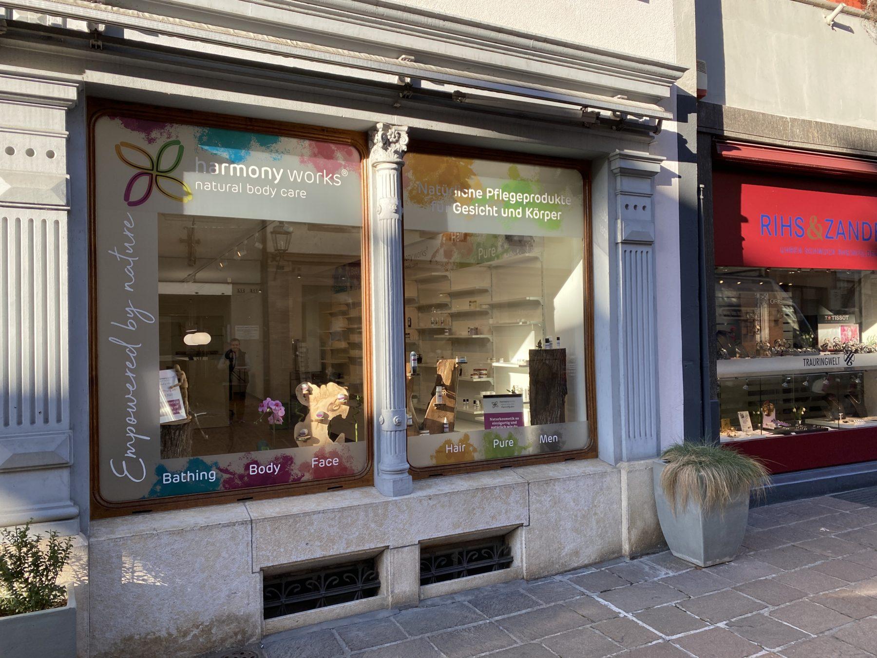 Schaufenster und Laden | JOST Beschriftungen Liestal